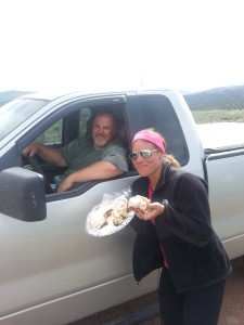 Andrea with the owner of Cielo Vista (?) bringing cinnamon rolls!